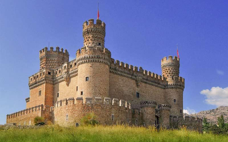 La fortaleza medieval de Manzanares el Real