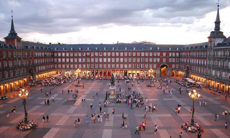 Plaza Mayor, la plaza monumental del centro de Madrid